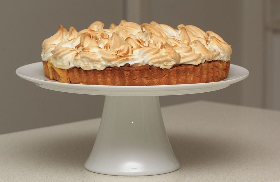A Cloud of Pleasure: The Meringue